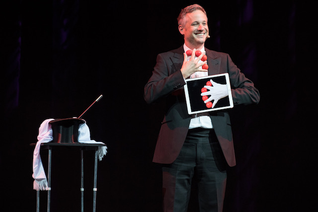 iPad Magician Simon Pierro performs in Las Vegas